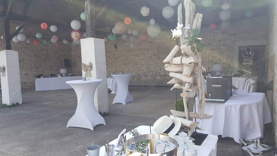 https://www.armandiere.fr/medias/mariages/facebook_1557670291318.jpg